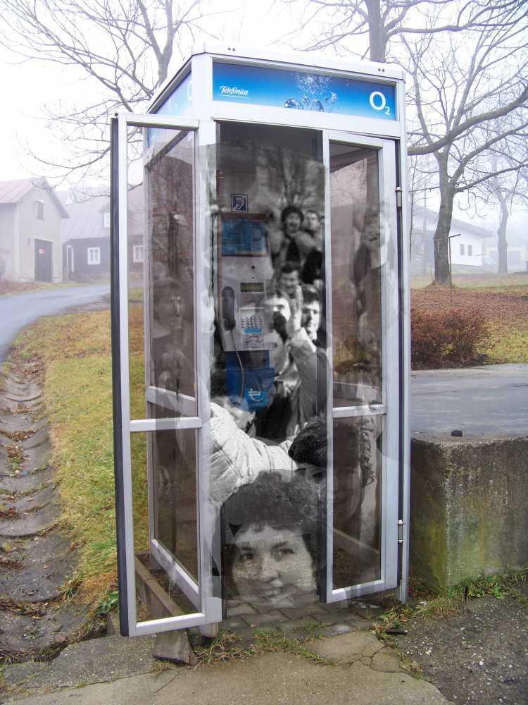 1000x1000 1455906597 prichovice telefonni budka