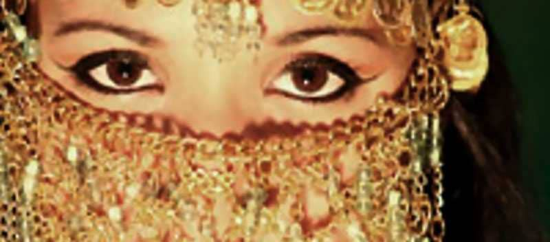 belly dancers face