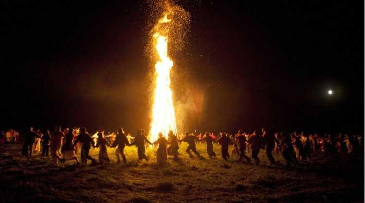 x7 pagan festivals still celebrate tSa 750X418.jpg.pagespeed.ic .nBAzvLQTz4